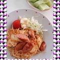 写真: お昼ごはん。名前のない料理...