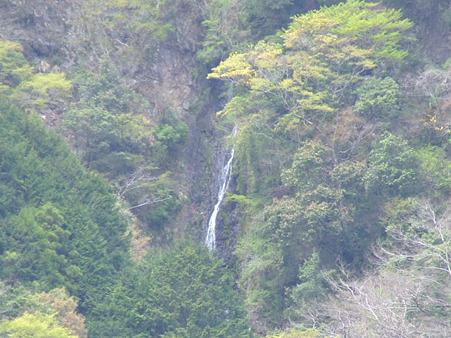 葵区平野 朝日の滝