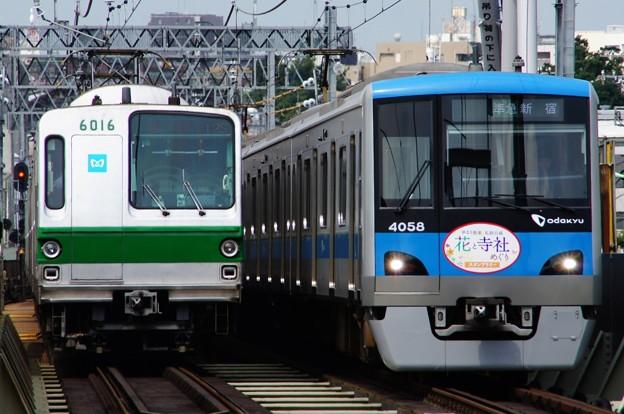 小田急4000形とメトロ6000系の離合