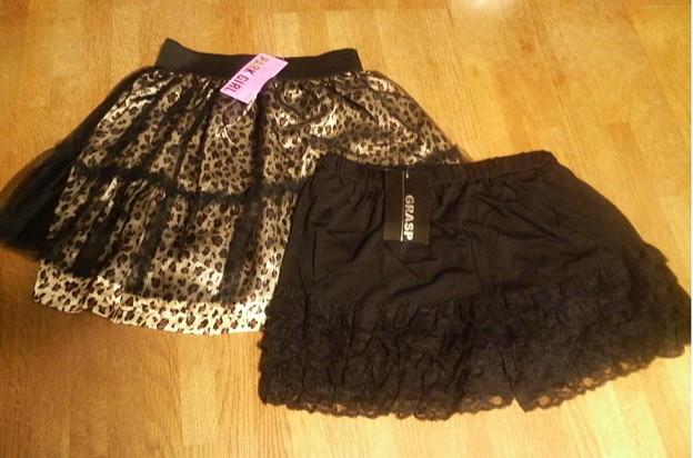 裾ティアードレース付ペチパンツとレオパード柄チュールスカート