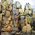 歓楽谷 岩から落ちる水(滝)
