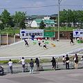 写真: ばんえい競馬(修学旅行の中学生)
