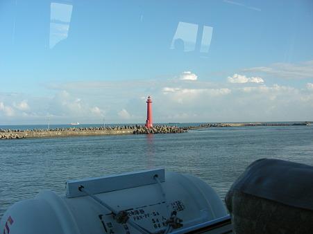 新潟西港の灯台