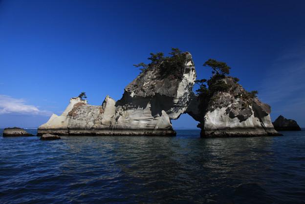 写真: 嵯峨渓の島々