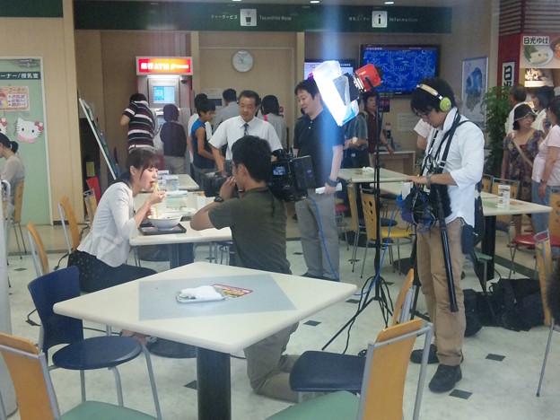 Photos: 上河内SAで撮影ロケ中