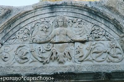 メデューサの彫刻
