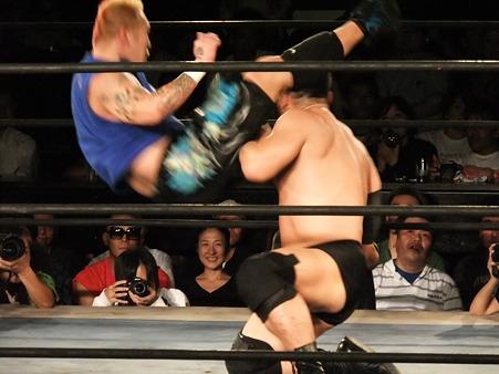 NOSAWA論外vs高木三四郎 東京愚連隊自主興行 東京LOVE2 ANOTHER CHANCE 新宿FACE 20110928 (7)