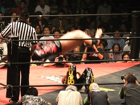 DDT 両国ピーターパン2011 〜二度あることは三度ある〜 KO-D無差別級選手権 石川修司vsKUDO (8)