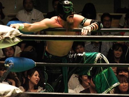 NOAH 田上明&小川良成vs井上雅央&デリリアス (1)