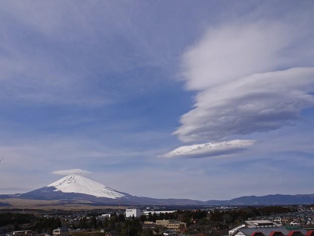 富士山の傘雲と吊るし雲