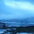 写真: 雪に沈む湯布院
