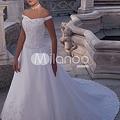 写真: Aライン オフショルダー ウェディングドレス【素材:サテン/色:ホワイト】