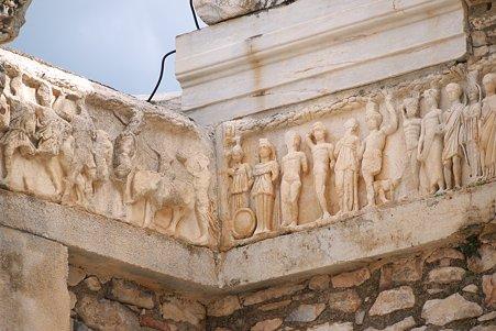 2011.01.23 トルコ 古代都市エフェス エフィソスの起源伝説のレリーフ(レプリカ)