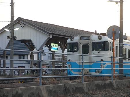 徳島板野駅・ローカル線・・・。