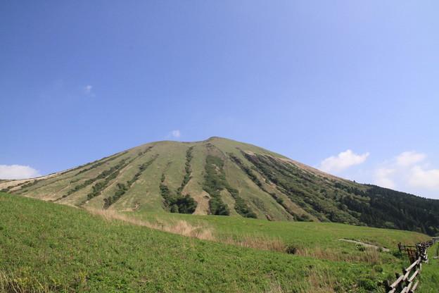 写真: 100512-114九州ロングツーリング・不思議な山