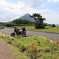 写真: 100516-71富士見PA近くからの開聞岳