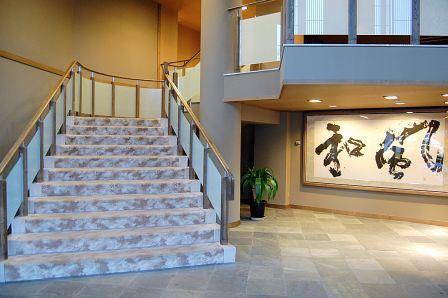 玄関くぐると階段