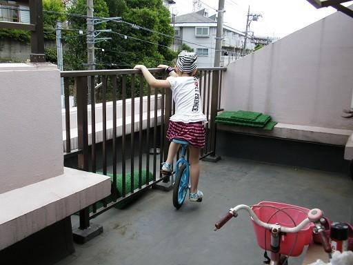 一輪車 練習中