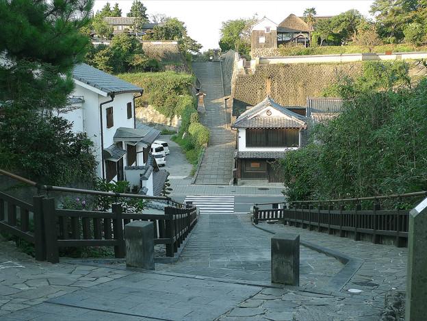 杵築(3) 塩屋の坂から酢屋の坂を見る