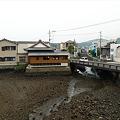 Photos: 幸橋(2)幸橋の上から。干潮で水がない