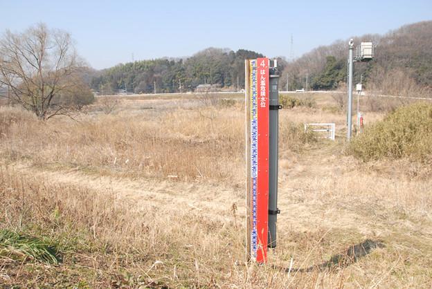 D200.10.2.23  <水位計測柱と監視塔>